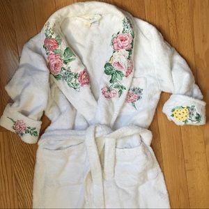 Victoria secret vintage lilywhite embroidered robe